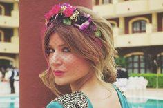 Invitadas elegantes y con... corona de flores!