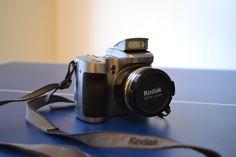 €19 Kodak EasyShare Z740. Con manual original. Más info en http://www.dpreview.com/reviews/kodakz740