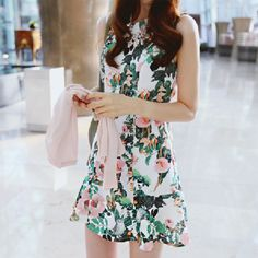 dress - http://zzkko.com/n187252-ummer-2013-Korean-version-of-the-retro-rendering-aristocratic-temperament-Slim-thin-waist-sleeveless-dress-flower-girl.html
