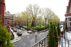 March - Spotlight on Presidential Apartments Kensington. These spacious apartments are in a great location close to Earls Court underground station and a range of shops, bars and restaurants.