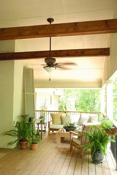 screened in of course :) featured home tours   the curtis casa