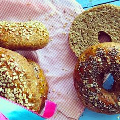 Bakery´s home: Bagels Integrales. Bagets Integral Weat and Oats Healthy Bagel, Healthy Cooking, Breakfast Desayunos, Doughnut, Bread, Desserts, Death Note, Food, Natural