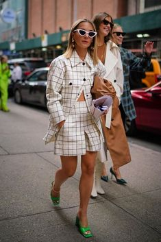 Casual Fall Outfits That Will Make You Look Cool – Fashion, Home decorating New York Fashion, Paris Street Fashion, Fashion 2020, Nyfw Street, Fashion Weeks, Fashion Online, Street Style New York, Looks Street Style, Autumn Street Style