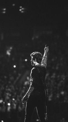 Shawn Mendes at Illuminate tour👌❤️ Mendes 98, Shawn Mendes 3, Shawn Mendes Imagines, Mendes Army, Shawn Mendes Concerto, Fangirl, Chon Mendes, Shawn Mendes Wallpaper, Cupcake