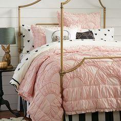 My #1 bedding idea. W/ grey walls