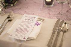 Saaldeko, Tischdekoration, Tischdeko, Hochzeitsdekoration, Hochzeitsdeko, Blumenvase,  DIY Hochzeit, Stuhlhussen, Klassisch, Menükarte