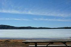 Lac gelé.  Parc Algonquin, Canada Road Trip dans l'Est Canadien
