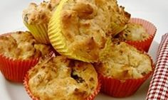 Apple & Cinnamon Muffins - made with yoghurt so rsuper healthy. Use 2 tsp of cinnamon, with 1 I couldn't taste it at all virutally. I used two small-med apples as I didn't have pecan's or dates and I used brown sugar rather than caster sugar. Healthy Muffins For Kids, Healthy Muffin Recipes, Healthy Baking, Baby Food Recipes, Healthy Snacks, Breakfast Recipes, Cooking Recipes, Apple Breakfast, Breakfast Muffins