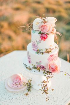 Stunning Hand-painted Wedding Cake by Sweet Deer Hand-painted Cakes Mini Wedding Cakes, Floral Wedding Cakes, Wedding Cake Designs, Wedding Cupcakes, Beautiful Wedding Cakes, Gorgeous Cakes, Pretty Cakes, Elegant Wedding, Trendy Wedding