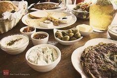Az izraeli reggeli Falafel, Tahini, Feta, Casserole, Dairy, Cheese, Cooking, Blog, Kitchen