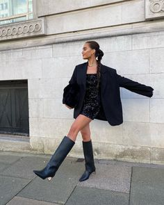 How to dress for going out in winter Go Out Outfit Night, Night Outfits, Winter Outfits, Going Out Outfits, Cute Outfits, Black Sparkly Dress, Clubbing Outfits, Teen Fashion Outfits, Dress Fashion