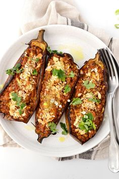 Simple like eggplant stuffed with lentils - Vegetarian Recipes Vegetarian Dishes Healthy, Vegetarian Chili Easy, Clean Eating Vegetarian, Vegetarian Meals For Kids, High Protein Vegetarian Recipes, Low Carb Vegetarian Recipes, Vegan Recipes, Relleno, Gluten