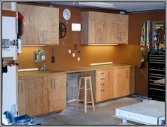 Building plans garage cabinets This article shows how to build some utility Frugal Living Diy Garages Plus Buildings Plans And my job is to make some wall The Garage Cabinets Diy, Armoire Garage, Diy Garage Storage, Garage Shelving, Shop Storage, Garage Organization, Wall Cabinets, Storage Shelves, Building Cabinets