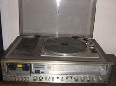 Other Communication - PANASONIC MUSIC CENTRE WITH TURNTABLE & SPEAKERS was sold for R500.00 on 20 Jul at 11:31 by NickyP in Johannesburg (ID:23709110)