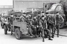 **** Photo Images Of The NI Forgotten War **** British Armed Forces, British Soldier, British Army, Northern Ireland Troubles, Belfast Northern Ireland, Marshall Jaguar, Northern Island, New Jaguar