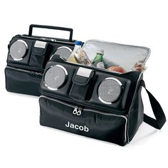 iPod cooler bag! Personalized aspect makes it perfect for groomsman.  #groomsmangift #groom