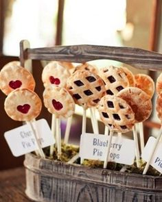 Adorable Pie Pops as an alternative wedding dessert - perfect for that rustic, outdoor wedding!