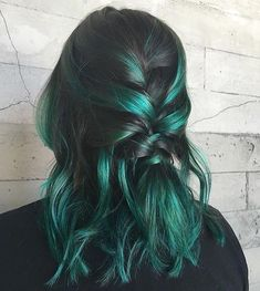 Green hair dye, green hair colors, hair dye colors, dye m Green Hair Dye, Green Hair Colors, Hair Dye Colors, Dye My Hair, Ombre Hair Color, Cool Hair Color, Blue Hair, Black And Green Hair, Emerald Green Hair