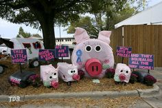 The Nash County display of decorated hay bales sums up the total fair experience. Hay Bale Decorations, County Fair Decorations, Outdoor Decorations, County Fair Theme, 4h Fair, Homecoming Floats, 4 H Club, Farm Day, Pumpkin Farm