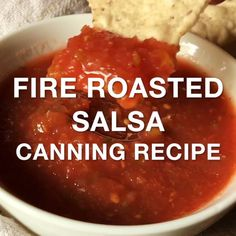 Fire Roasted Salsa Fire roasted salsa canning recipe with farm fresh tomatoes and poblano peppers, roasted on the grill for a delicious salsa that's perfect for canning. Salsa Canning Recipes, Canned Salsa Recipes, Canning Salsa, Fresh Tomato Recipes, Barbecue Sauce Recipes, Fresh Tomato Salsa, Salsa Picante, Salsa Verde, Homemade Salsa