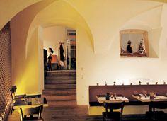 Zum Finsteren Stern - ©Gerhard Wasserbauer Oversized Mirror, Gerhard, Furniture, Home Decor, Wine List, Stars, Essen, Decoration Home, Room Decor