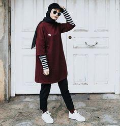 Source by outfits muslim – Hijab Fashion 2020 Tomboy Fashion, Modern Hijab Fashion, Street Hijab Fashion, Muslim Fashion, Modest Fashion, Fashion Outfits, Fashion Dolls, Men's Fashion, Hijab Casual