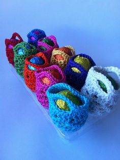 Crochet Purses Ravelry: Mini-mini Crochet Egg Bag pattern by Shelley HusbandMini-mini Crochet Gift Bag Free Pattern - Holiday Crochet, Crochet Gifts, Crochet Toys, Free Crochet, Ravelry Crochet, Crochet Handbags, Crochet Purses, Crochet For Kids, Crochet Patterns For Beginners