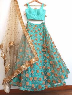 End Customization with Hand Embroidery & beautiful Zardosi Art by Expert & Experienced Artist That reflect in Blouse , Lehenga & Sarees Designer creativity that will sunshine You & your Party. Indian Dress Up, Indian Wear, Sari Blouse Designs, Lehenga Designs, Bollywood Outfits, Bollywood Fashion, Red Lehenga, Lehenga Choli, India Fashion
