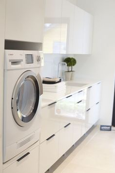 There are many laundry room designers who can aid with the decisions. If you find ideas about laundry room, look at this gallery above. Laundry Closet, Small Laundry, Laundry In Bathroom, Laundry Baskets, Closet Nook, Bathroom Bench, Laundry Rooms, Room Interior, Interior Design Living Room