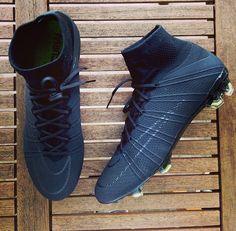 Cool Football Boots, Soccer Boots, Football Shoes, Nike Football, Football Cleats, Womens Soccer Cleats, Adidas Soccer Shoes, Soccer Gear, Nike Soccer