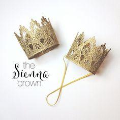 BEREIT, SCHIFF || Siena || Gold|| Spitze crown|| Stirnband option|| Fotografie-Stütze || Prinzessin || alle Altersgruppen