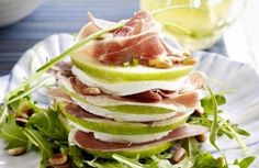 Turret of goat cheese with apple and pata negra - Libelle Tasty! I Love Food, A Food, Good Food, Food And Drink, Yummy Food, Little Lunch, Healthy Snacks, Healthy Recipes, Pureed Food Recipes