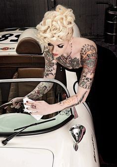 Sex Fanpage - Tattooed Pinup