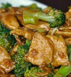 I love chicken! Yes, I'm guilty! As you all know, I always try to come up with new recipes to enjoy my chicken, and this fried chicken and broccoli blew my mind yesterday, so I