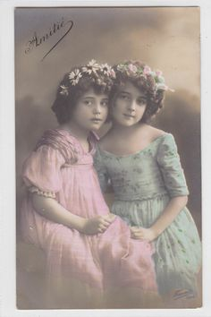 vintage 1910s BEAUTIFUL EDWARDIAN GIRL with Sister photo postcard (i324)