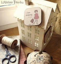 L'Atelier Perdu Blog: Cadeau spécial - Unique gift ! Quilt Stitching, Cross Stitching, Magnet, Magazine Rack, Applique, Creations, Crafty, Quilts, Storage