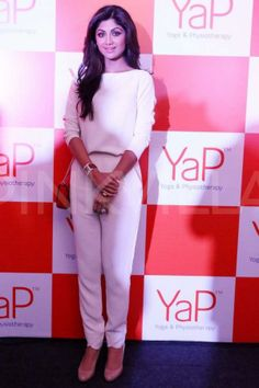 Fitness enthusiast Shilpa Shetty launched YaP - a combination of yoga and physiotherapy, in association with wellness brand VLCC in the capital city . Aditi Bhatia, Shilpa Shetty, Lifestyle Articles, Beauty News, Western Outfits, White Pants, Beauty Queens, Stylish Girl, Celebrity Photos