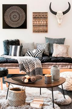 Pictures of bohemian style living rooms modern room decor ideas home design chic a mode Deco Boheme, Boho Living Room, Bohemian Living, Nordic Living Room, Cozy Living, Daybed In Living Room, Dark Wood Living Room, Fancy Living Rooms, Romantic Living Room