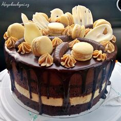Variace na Kubánský dort 3d Cakes, Drip Cakes, Different Kinds Of Cakes, Delicious Desserts, Dessert Recipes, My Dessert, Beautiful Cakes, Sweet Recipes, Bakery