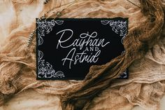 A Signature font that can meet your needs to make a handwriting that has strong characteristics. This font is perfect for use Photography Props, Creative Photography, Wedding Invitation Templates, Wedding Invitations, Paper Crowns, Signature Fonts, Type Setting, Script Fonts, Cursive