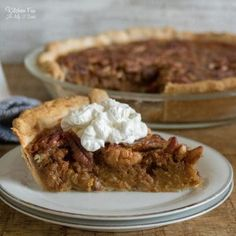 Pumpkin Pecan Pie is the fall dessert mashup of my dreams! This Thanksgiving dessert combines two of the most popular pies and is such a hit. Pumpkin Pie Cupcakes, Pumpkin Pecan Pie, Homemade Pumpkin Pie, Pumpkin Bread, Pumpkin Crunch, Pumpkin Recipes, Best Pecan Pie, Bite Size Desserts, Pie Recipes