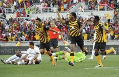 41. 2011 Kaizer Chiefs Home - The 50 Best Soccer Kits of All Time | Complex UK