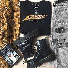 Observe ALTGirl Different Fashion Grunge Fashion Gothic Fashion Grunge Hipster Outfits, Grunge Outfits, Edgy Outfits, Mode Outfits, Retro Outfits, Grunge Fashion, Gothic Fashion, 90s Fashion, Vintage Outfits