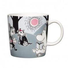 "Arabia's mug ""Adventure move"" (Seikkailu muutto) with elegant shape and kind motif from the Moomin world. Charming pottery from Finland. Secure payments and worldwide shipping within 24 hours. Moomin Shop, Moomin Mugs, Les Moomins, Moomin Valley, Tove Jansson, New Adventures, Marimekko, Finland, A Table"