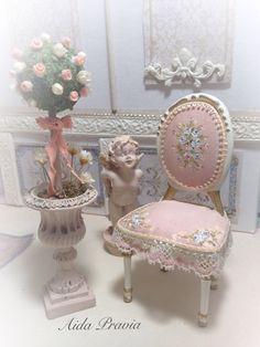 Un favorito personal de mi tienda de Etsy https://www.etsy.com/es/listing/603262758/silla-rosa-dollhouse-furniture