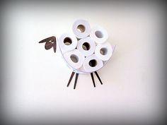 Set: Wand-Regal für die Lagerung von Toilettenpapierrollen und WC-Papierhalter. Lustige Wall Decals Schaf und Lamm gemacht von verschiedenen Arten von veneers von AntGl
