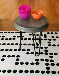 8 easy steps how to make a concrete side table with hairpin legs. Easy to make and under $40 – Colorful Designer