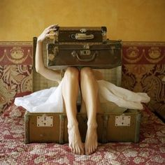 the french girl's suitcase. Vintage Suitcases, Vintage Luggage, Vintage Trunks, Vintage Travel, Style Bobo, My Style, Pack Your Bags, Travel Gadgets, French Girls