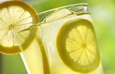 Eau-tiède-citronnée