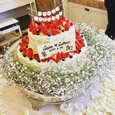 かすみ草を飾ったウェディングケーキ装花まとめ | marry[マリー] Wedding Cakes, Birthday Cake, Table Decorations, Instagram Posts, Desserts, Food, Wedding Gown Cakes, Tailgate Desserts, Wedding Pie Table